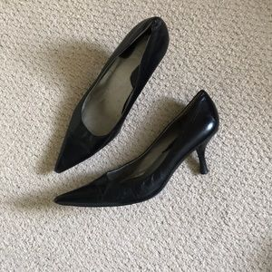 "Black Nine West pointed toe heels 2.5"" heel"